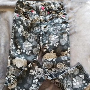 VGUC Cherokee Rose Print Skinny Jeans size 4T